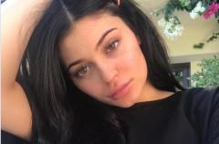 Kylie Jenner culpa a su madre tras un patinazo en su negocio