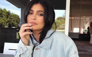 Kylie Jenner es obligada a cerrar su negocio de cosméticos