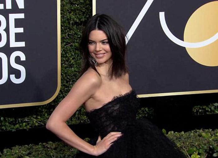 Kendall Jenner criticada en su aparición en los Globos de Oro