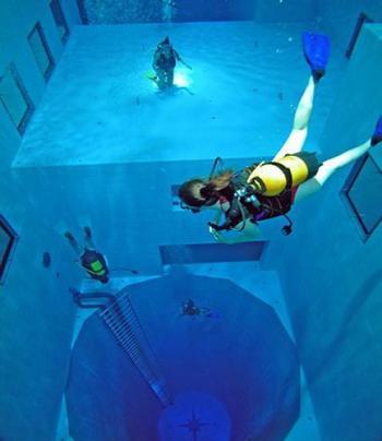 Piscina mas profunda Nemo 33