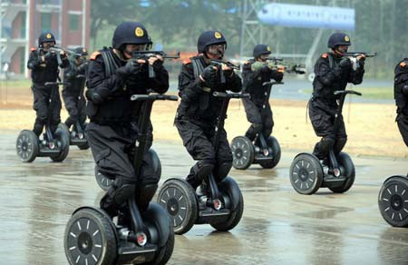 policia_china_segway