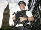 La policía británica detiene a un hombre por tener un MP3
