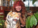 La tigresa del oriente, una cantante exótica