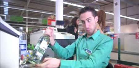 alucinada_cajero_supermercado
