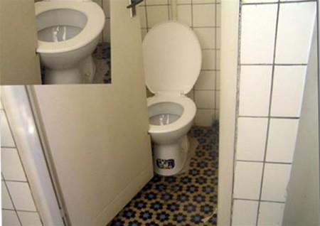 baños_puertas_inodoros_incomodos