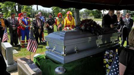 funeral del payaso boppo