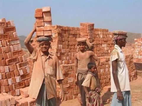 cargar-ladrillos-bangladesh-video