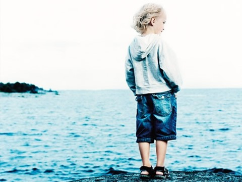 http://i.bssl.es/lohevisto/2010/11/cancion-reflexionar-no-basta-franco-de-vita.jpg