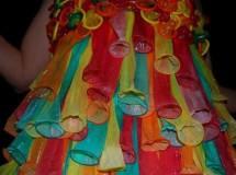 Vestidos hechos con condones