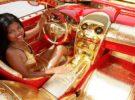 Un coche bañado en oro se vende por 8 millones de Euros