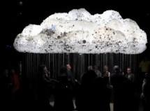 CLOUD, una nube interactiva compuesta por 6000 bombillas