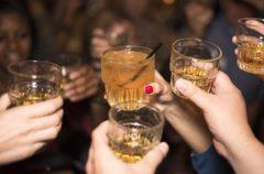 Emborráchate, un estudio afirma que el alcohol alarga la vida