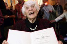 Ingeborg Rapoport, una anciana de 102 años que ha recibido un doctorado