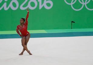 Esta es la razón científica por la que las gimnastas son tan bajas