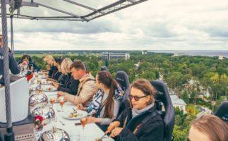 Dinner in the Sky, un restaurante situado en el cielo