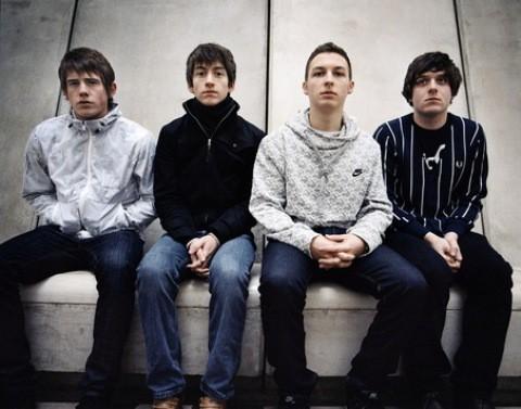 Arctic Monkeys entrarán en el estudio en breve