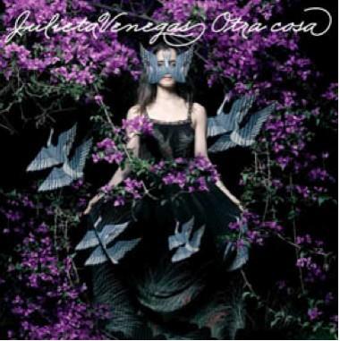 Julieta Venegas habla sobre su nuevo disco