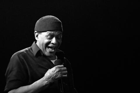 Al Jarreau interrumpe sus conciertos tras sufrir una crisis respiratoria