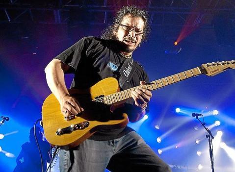 Raimundo Amador regresa con 'Medio hombre medio guitarra'