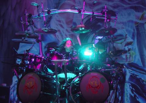 El batería de Megadeth comenta las lesiones que ha tenido en su vida artística