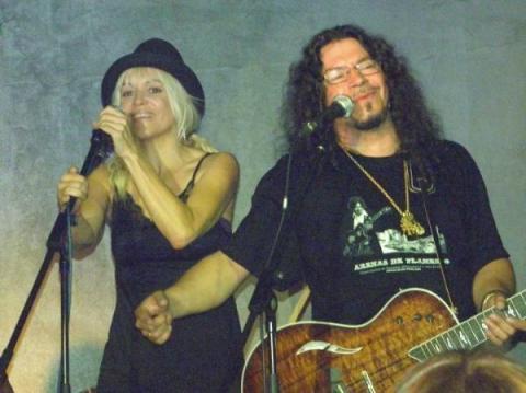 Recopilan las primeras canciones de Cathy Claret