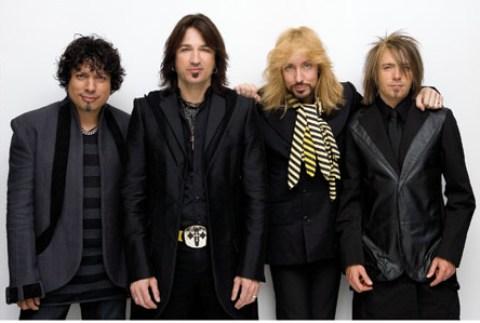 Michael Sweet, de Stryper, critica a U2 por regalar su disco