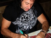 Medina Azahara Paco Ventura firmando autógrafos