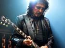 Tony Iommi, contento de hacer heavy metal