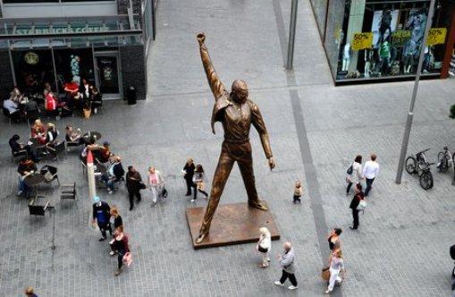 Estatua de Freddie Mercury en Liverpool hasta finales de junio