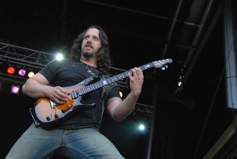 John Petrucci comenta la forma actual de vivir la música