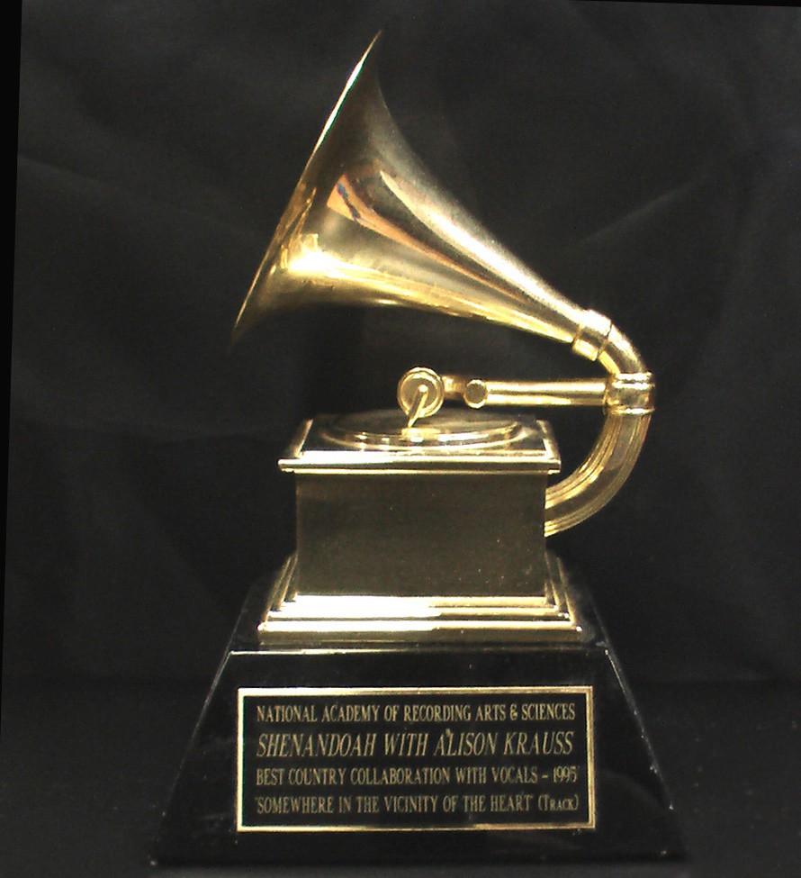 Lista completa de nominados a los Grammy 2011