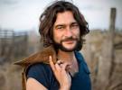 Quique González sigue con su «Delantera mítica» de gira por España
