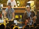 Johnny Depp a la guitarra junto a The Black Keys en los MTV Movie Award
