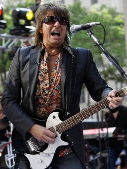 Richie Sambora es un guitarrista caro para Bon Jovi