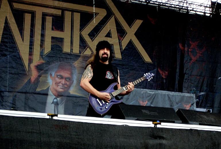 Rob Caggiano, Anthrax, contento por el nuevo disco del grupo
