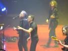 The Killers junto a Bernard Sumner, versionan a New Order
