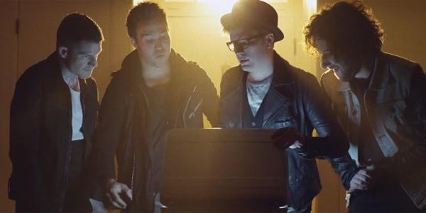 Fall Out Boy adelantan la fecha de salida de Save Rock and Roll