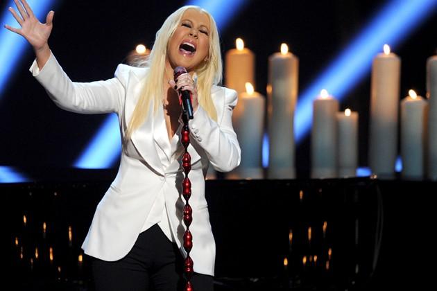 "Christina Aguilera registra ""Waves"", su nuevo tema"