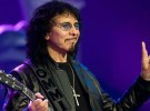 Tony Iommi revela que el quiste de su garganta no es cancerígeno