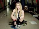 Avril Lavigne estrena el vídeo de «Here's to never growing up»