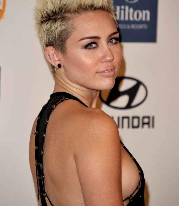 """Miley Cyrus estrena hoy """"Adore you"""", su nuevo vídeo"""