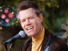 Randy Travis en estado crítico