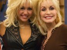 Dolly Parton defiende a su ahijada Miley Cyrus