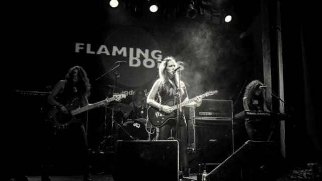 Foto-Flaming-Dolls-01.2-680x383