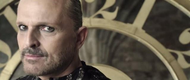 Miguel Bosé estrena 'Encanto', su nuevo videoclip
