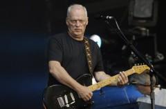"""David Gilmour toca una versión acústica de """"Wish you were here"""" en directo"""