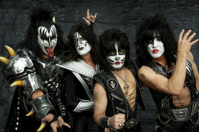 Kiss arrasan en los premios Ultimate Classic Rock