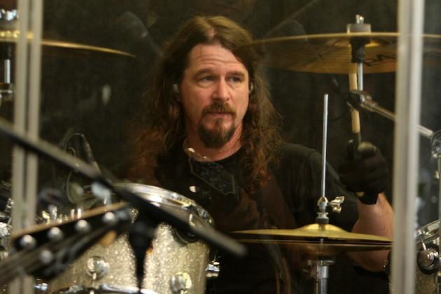 Paul Bostaph, de Slayer, comenta su opinión sobre internet