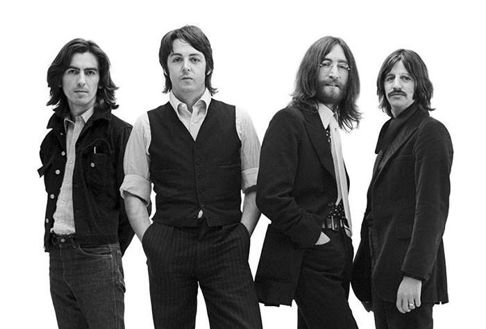 The Beatles supera el billón de escuchas en seis meses y lo celebra junto al Circo del Sol