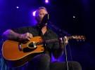 James Hetfield, «Motorbreath» y «The unforgiven» en acústico por una buena causa